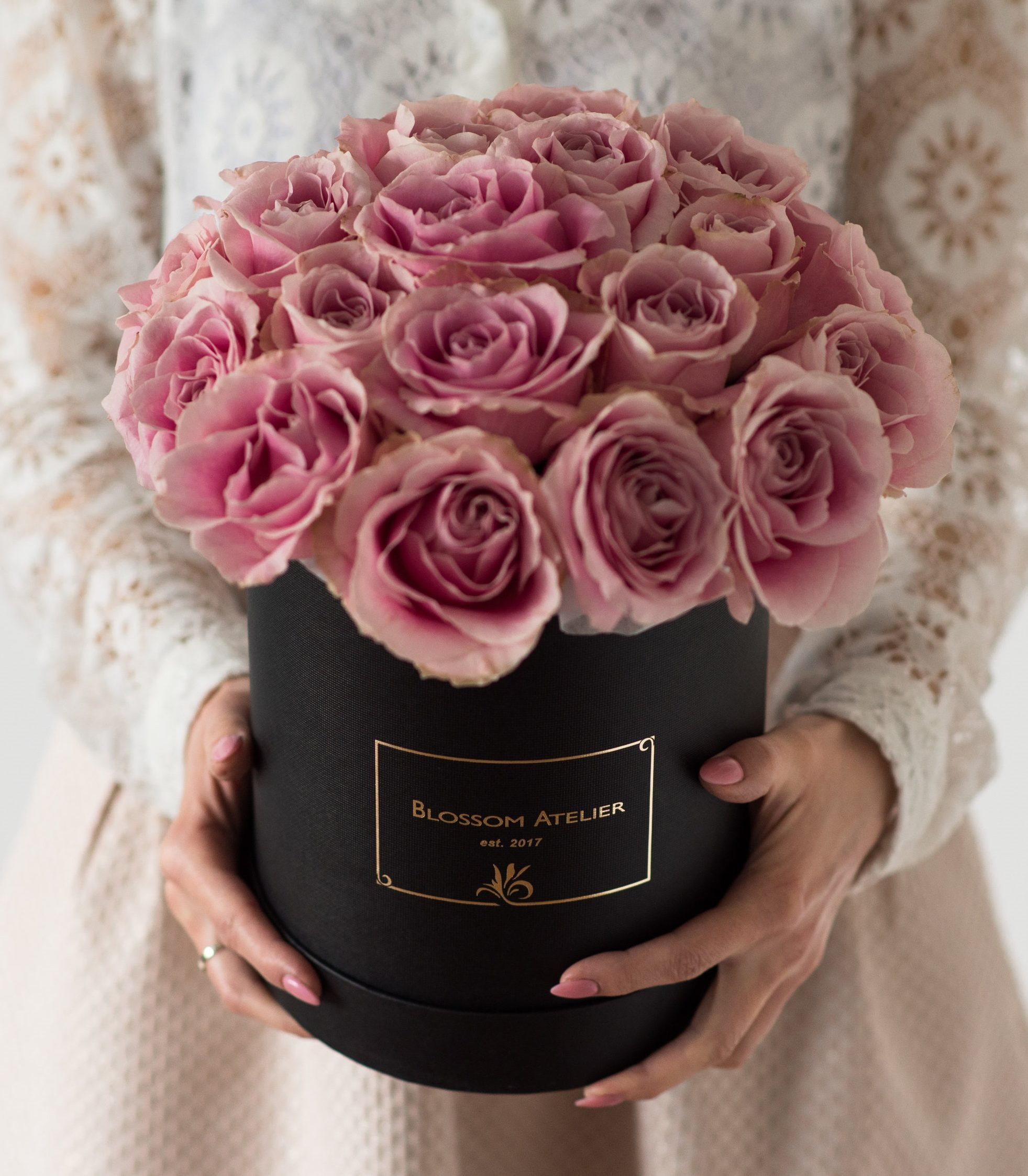 Blossom Box Noir With Delicate Vintage Pink Rose Bouquet Large Grand Blossom Atelier